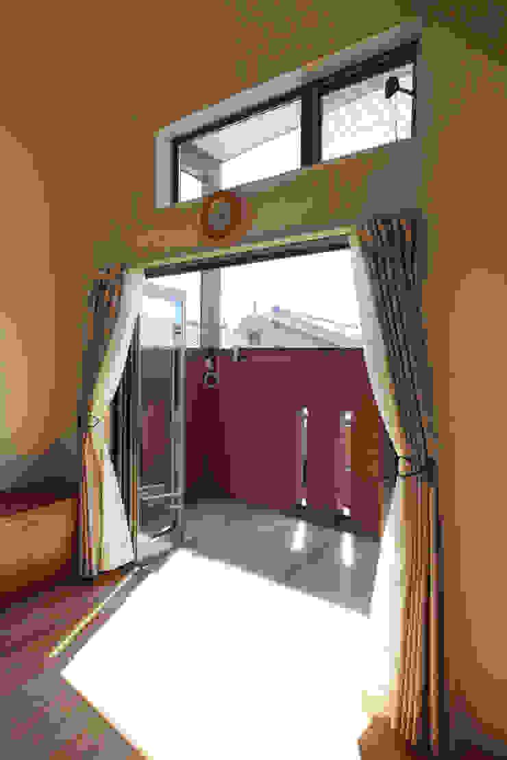 バルコニー オリジナルデザインの テラス の atelier m オリジナル
