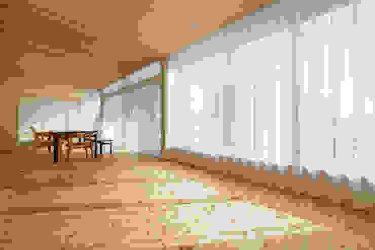 陽だまりの家 オリジナルデザインの リビング の 有限会社 宮本建築アトリエ オリジナル