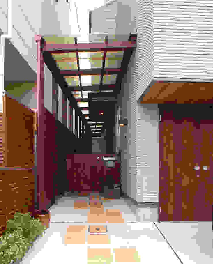 鷹匠町の家 モダンな 家 の 株式会社 atelier waon モダン