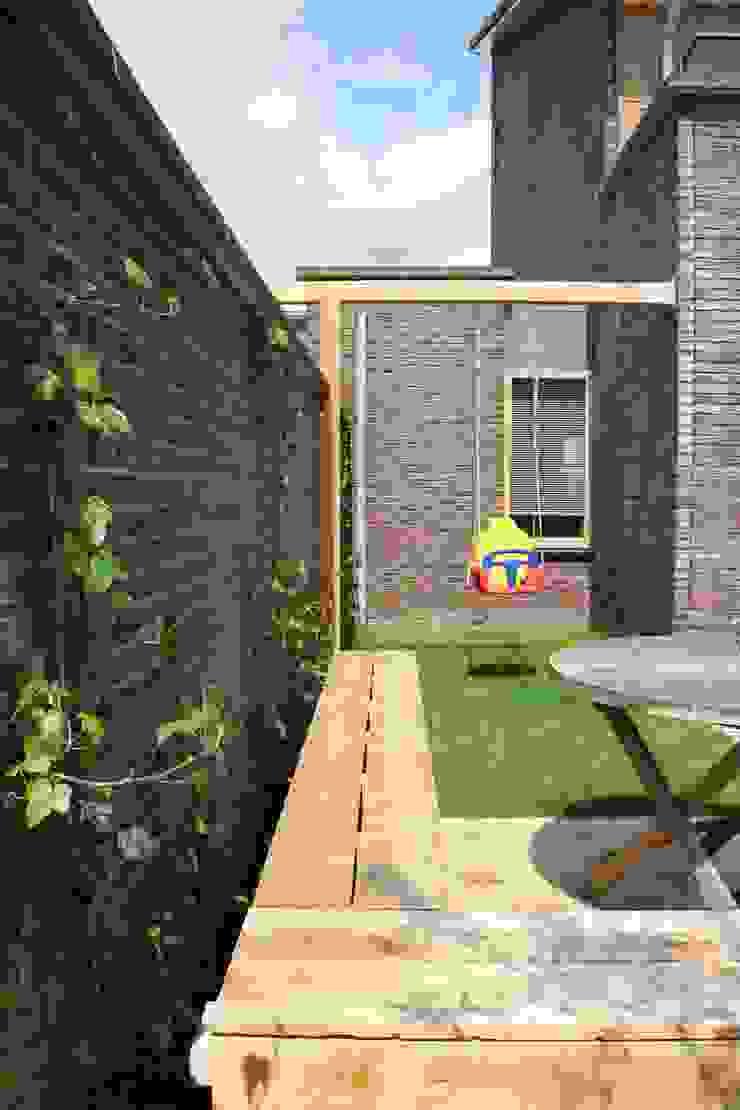 speelruimte Moderne tuinen van Buro Floris Modern