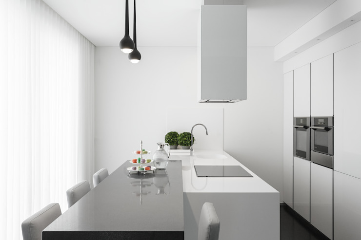 Kitchen by CASA MARQUES INTERIORES, Modern