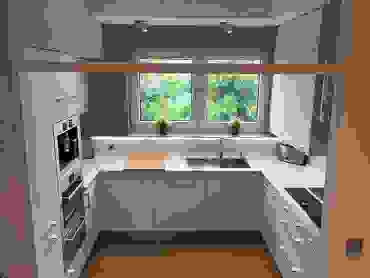 Einbauküche auf Mass Moderne Küchen von Test1 Modern