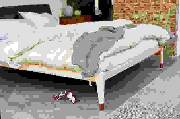Auping Essential:  Slaapkamer door Koninklijke Auping b.v.,