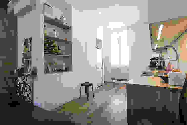 cuisine sur rue Cuisine moderne par Cécilia Cretté architecte Moderne Bois Effet bois