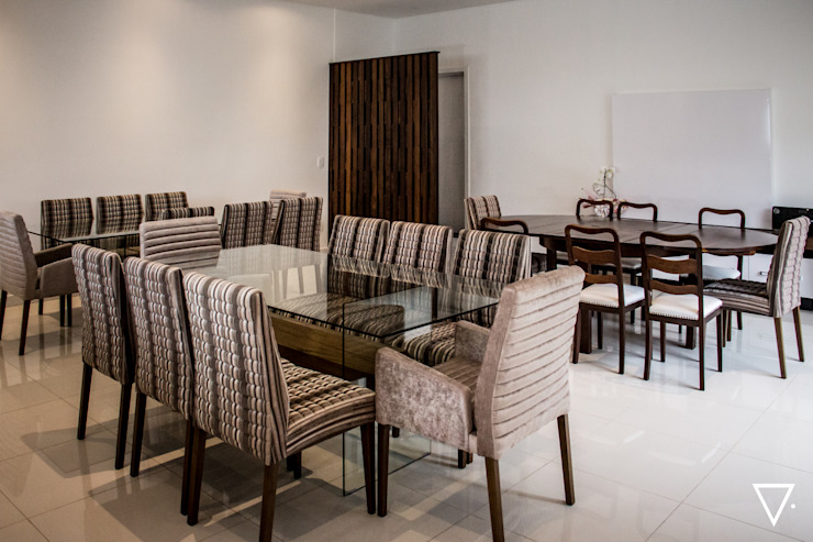 Projeto Churrasqueira Residencial Salas de jantar ecléticas por Caroline Ritzmann Stratmann Arquitetura e Interiores Eclético Madeira maciça Multi colorido