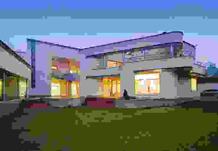 Индивидуальный жилой дом в Самаре Дома в стиле модерн от Архитектурное бюро А-Лен Модерн