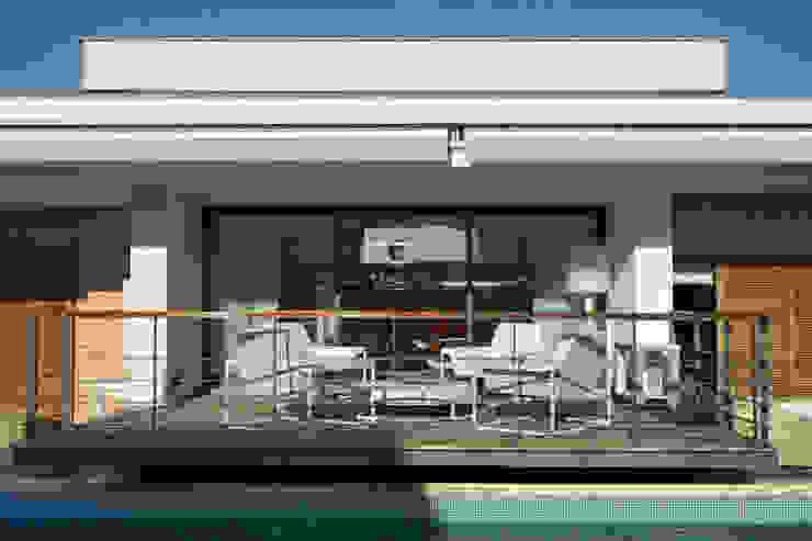 Teras oleh Silvia Costa |  Arquitectura de Interiores, Modern