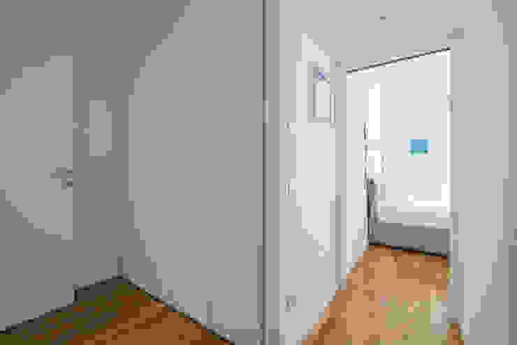 Appartamento C&F Ingresso, Corridoio & Scale in stile moderno di Marcella Pane Moderno