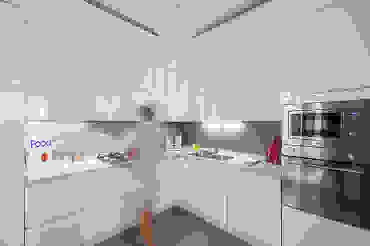 Appartamento C&F Cucina moderna di Marcella Pane Moderno