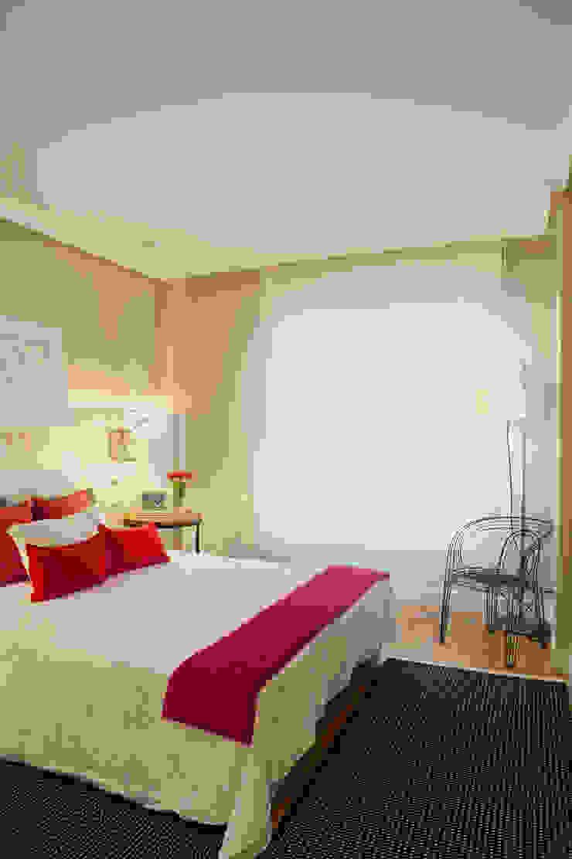 Dormitorios modernos de Sube Susaeta Interiorismo Moderno