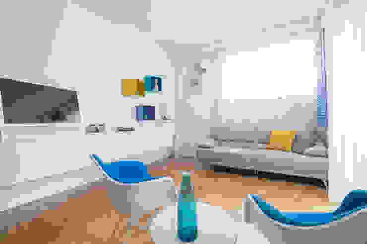 Appartamento C&F Soggiorno moderno di Marcella Pane Moderno