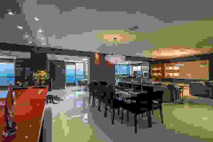 Ruang Makan Modern Oleh Interiores Iara Santos Modern