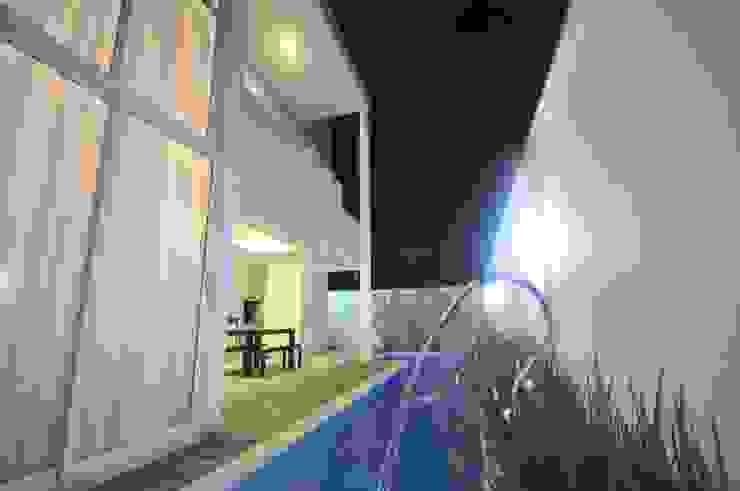 Casa BV Piscinas modernas por CLM Arquitetos Associados LTDA Moderno