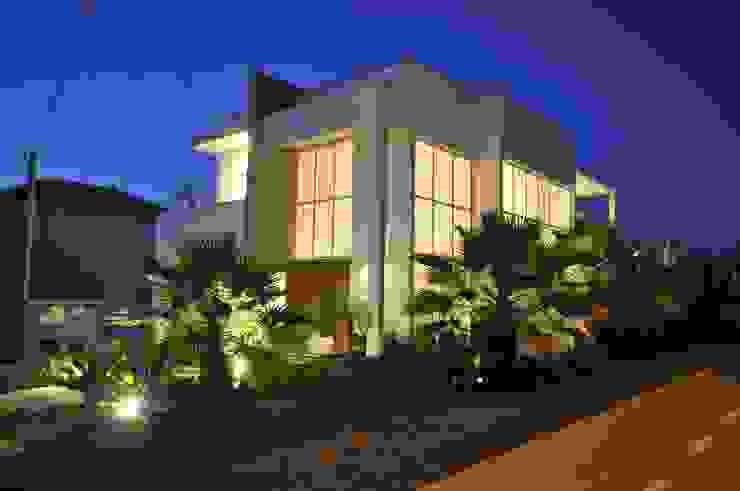 Casa BV Casas modernas por CLM Arquitetos Associados LTDA Moderno