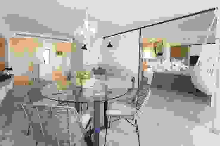 Apartamento l'Estartit - Illes Medes Salones de estilo mediterráneo de Pia Estudi Mediterráneo