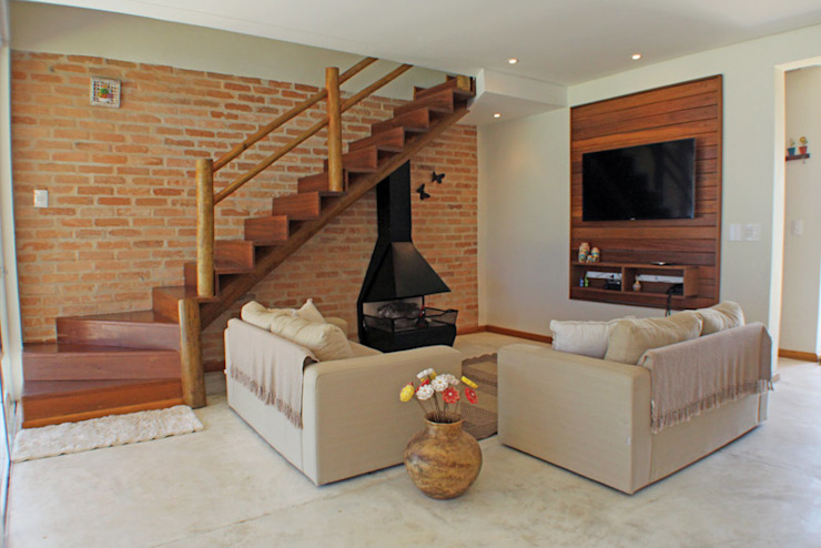 Rustic style living room by RAC ARQUITETURA Rustic Bricks