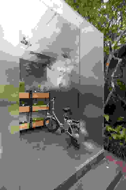 Bicicleta elétrica com apelo sustentável Casas escandinavas por Patricia Martinez Arquitetura Escandinavo