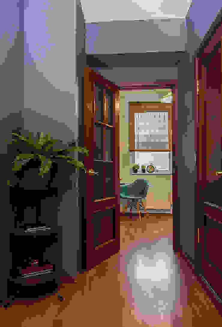 L'Essenziale Home Designs Scandinavian corridor, hallway & stairs