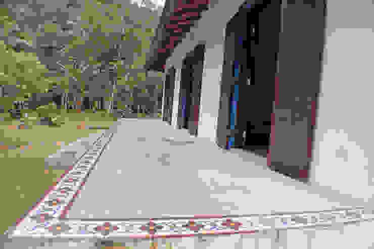 Balcone, Veranda & Terrazza in stile coloniale di RAC ARQUITETURA Coloniale