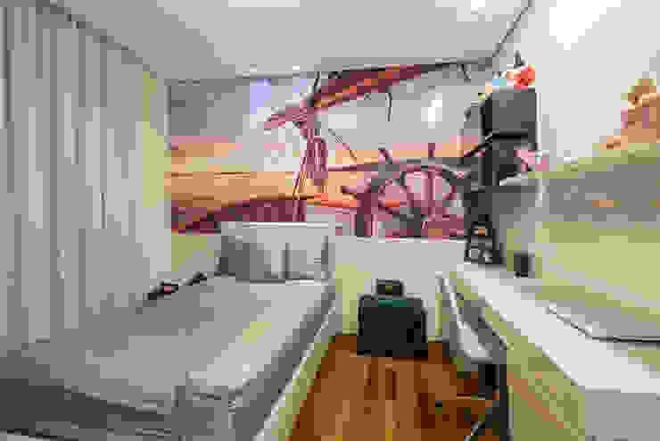 Modern style bedroom by Interiores Iara Santos Modern
