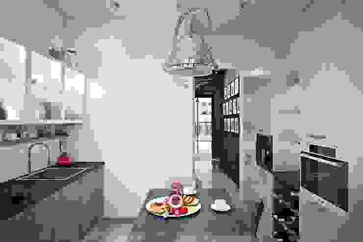 ИНДУСТРИЯ КОМФОРТА Кухня в стиле лофт от Дизайн студия Алёны Чекалиной Лофт
