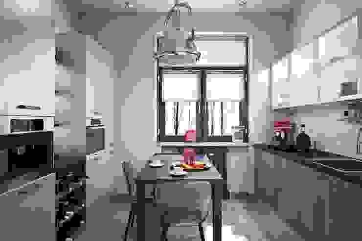 Industrial style kitchen by Дизайн студия Алёны Чекалиной Industrial