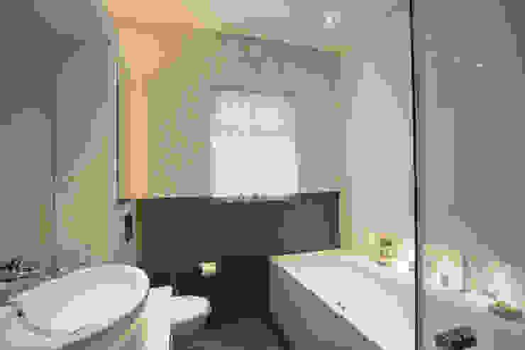 Aberdare Gardens, NW6 Salle de bain moderne par XUL Architecture Moderne