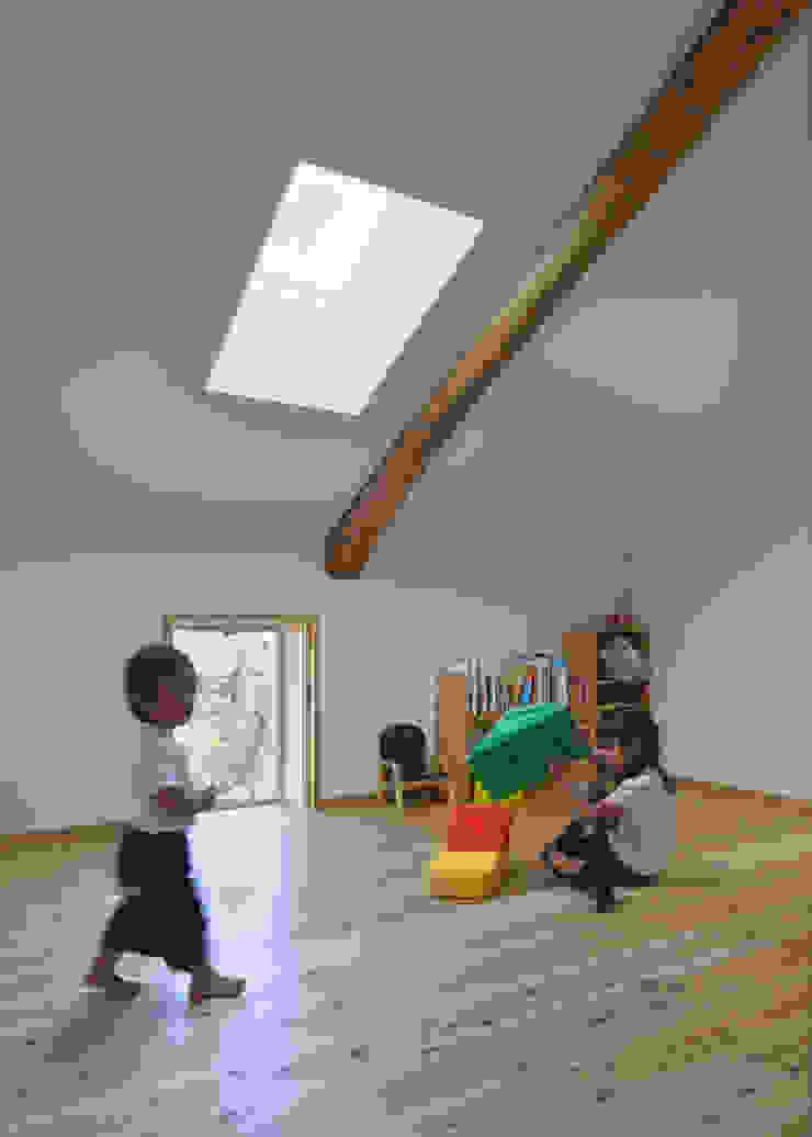 古民家改修:通り土間のある家 和風デザインの 子供部屋 の m5_architecte 和風