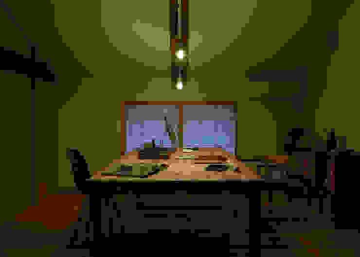 古民家改修:通り土間のある家 和風デザインの 書斎 の m5_architecte 和風 木 木目調