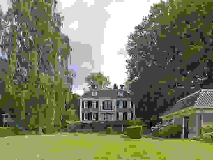 Jardines clásicos de Friso Woudstra Architecten BNA B.V. Clásico