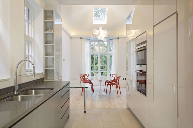 Elsworthy Road, NW3:  Dining room by XUL Architecture