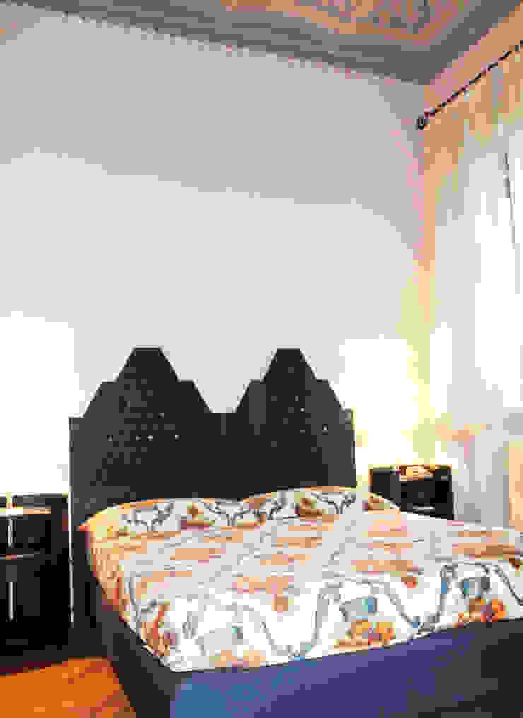 Classic style bedroom by STUDIO GUERRI Classic