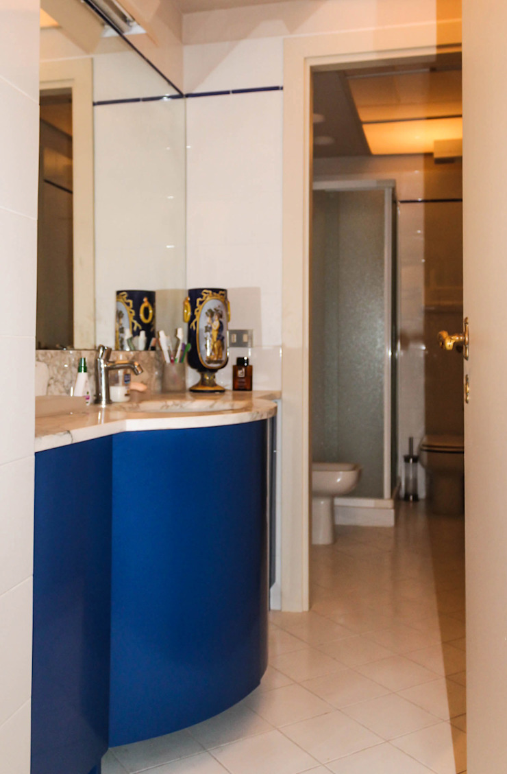 Classic style bathroom by STUDIO GUERRI Classic