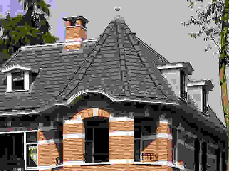 Villa te Doetinchem - Detail dak Eclectische huizen van Friso Woudstra Architecten BNA B.V. Eclectisch