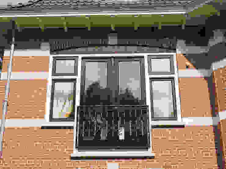 Villa te Zeist - Detail frans balkon Eclectische balkons, veranda's en terrassen van Friso Woudstra Architecten BNA B.V. Eclectisch