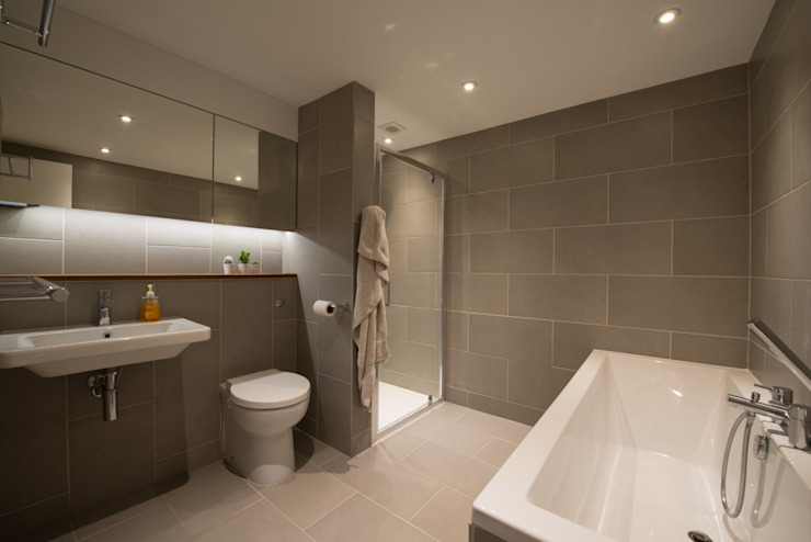 86 Pellarin Road ATOM BUILD LTD Modern bathroom
