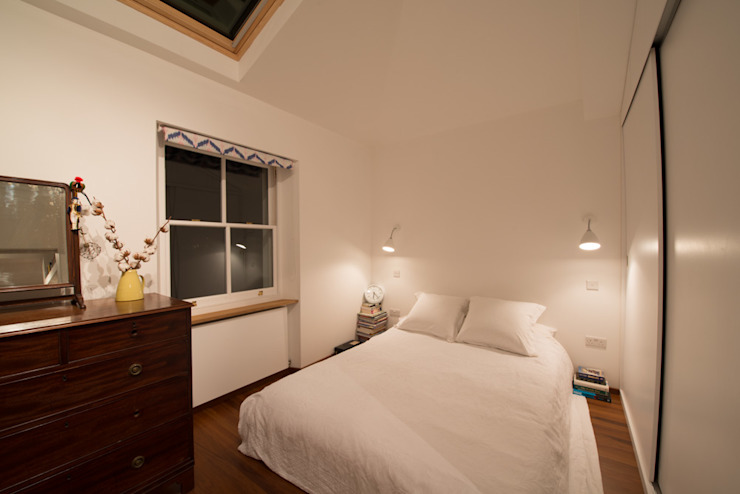 189 Richmond Road ATOM BUILD LTD Modern style bedroom