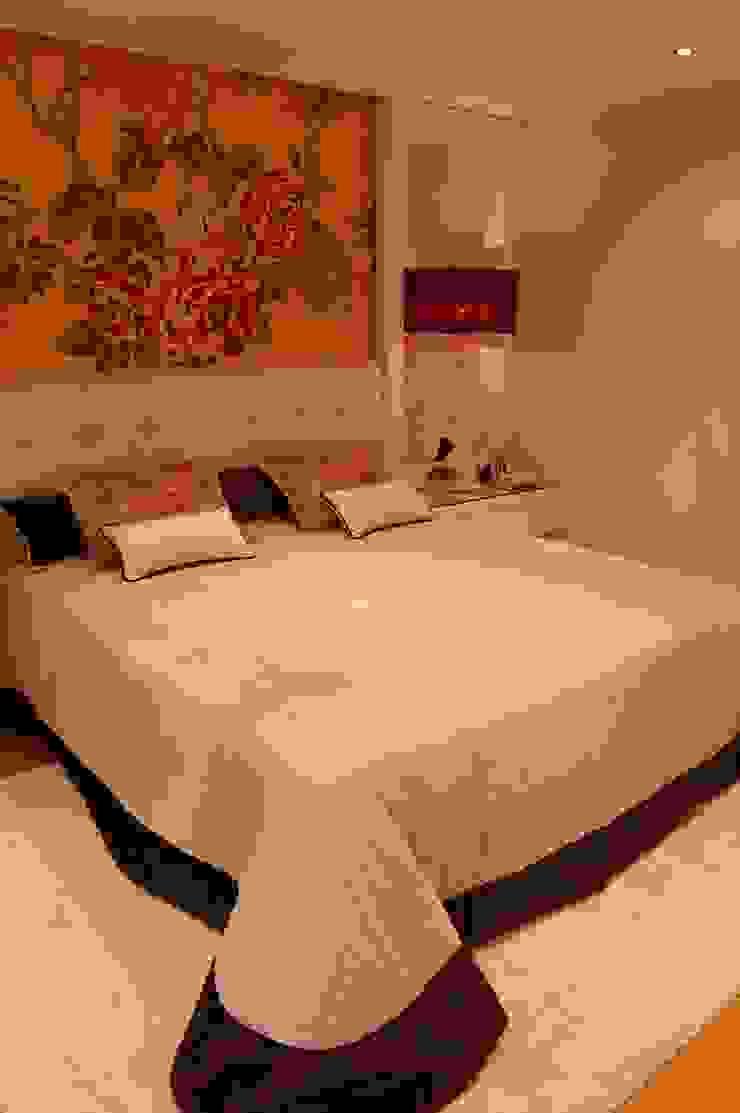 Eclectic style bedroom by Critério Arquitectos by Canteiro de Sousa Eclectic