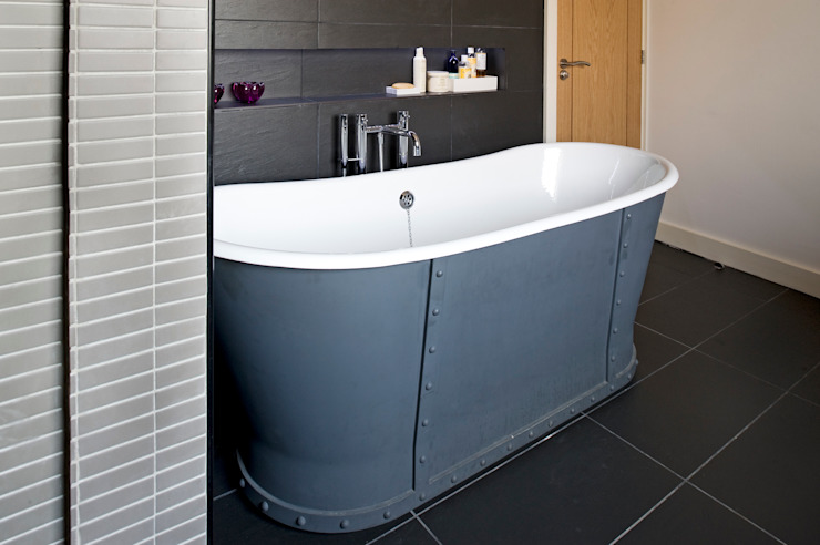 The Links, Whitley Bay Modern bathroom by xsite architecture LLP Modern