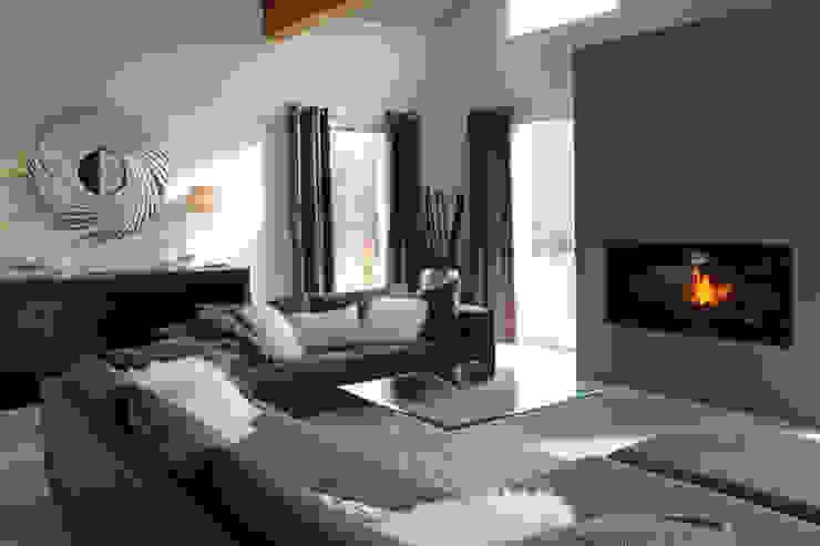 Lisa Paunovitch Design Ruang Keluarga Modern