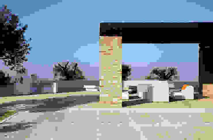 """La tendencia """"industrial"""" también en suelos para ambiente en exterior Azulejos Peña s.l. Casas de estilo industrial Azulejos Beige"""