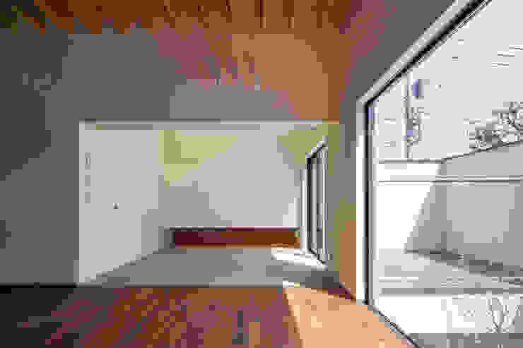リビングと接する和室|深沢の家 オリジナルデザインの 多目的室 の U建築設計室 オリジナル