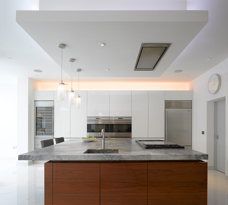 Roundhouse Urbo high gloss kitchen Roundhouse KitchenCabinets & shelves Grey