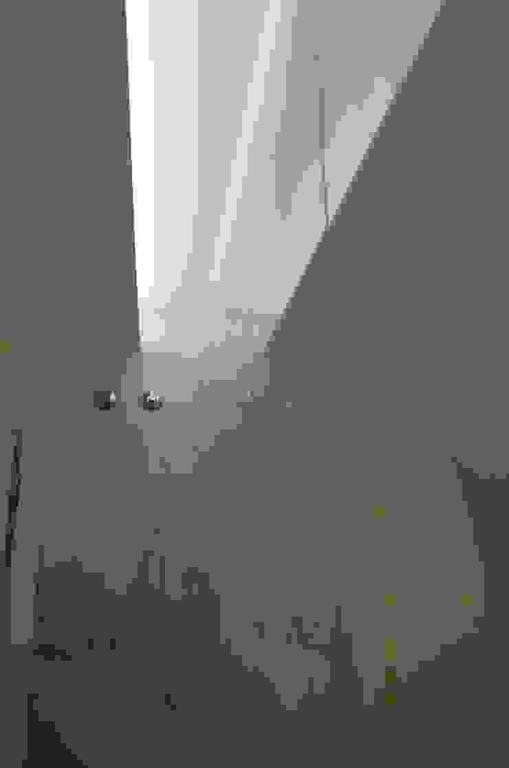 Projecto de interiores apartamento Lisboa Casas de banho ecléticas por Critério Arquitectos by Canteiro de Sousa Eclético