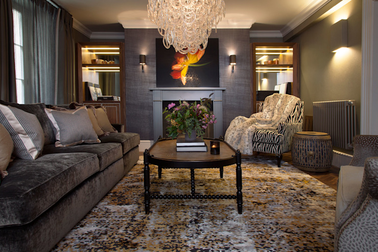 Living room by Roselind Wilson Design, Classic