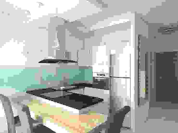 Квартира - студия в пос. Шушары Кухня в стиле минимализм от Студия дизайна интерьера 'SUN' Минимализм