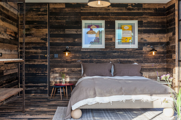 Bert and May Box Rustic style bedroom by Cs photography Rustic