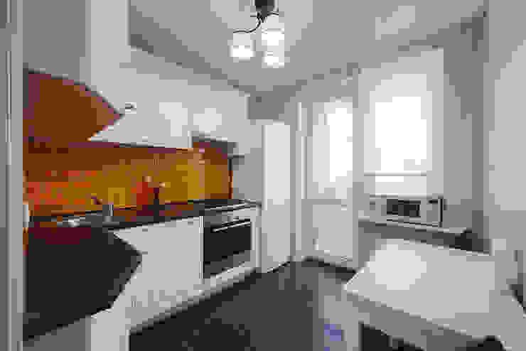 Маленькая квартира для аренды Кухня в скандинавском стиле от Порядок вещей - дизайн-бюро Скандинавский