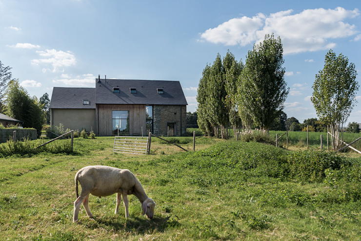 Houses by Briand Renault Architectes, Country