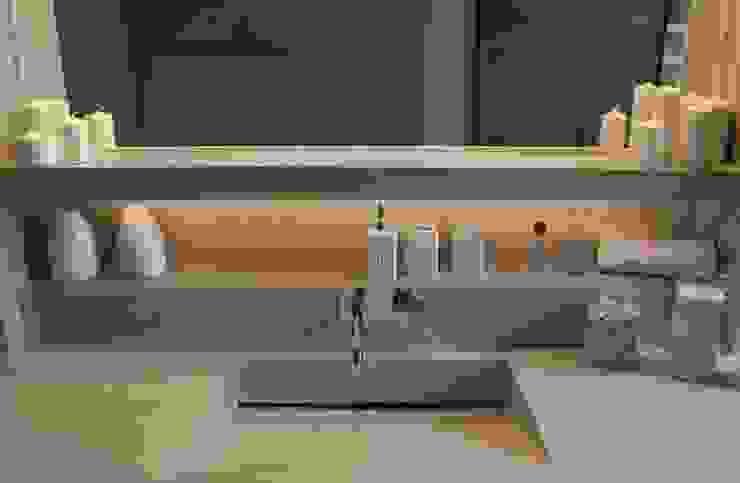 Varie applicazioni della resina negli ambienti Bagno moderno di Resin srl Moderno